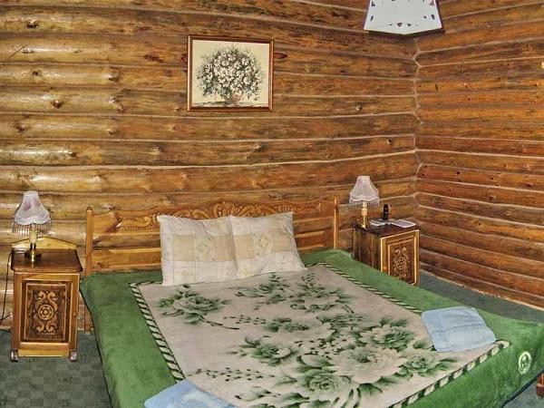 Лесной - гостиница на Севастопольской трассе
