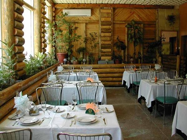Банкетный зал ресторана Лесной